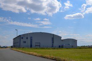 Produktionshalle im Flughafen Cochstedt
